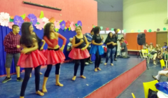 Escola Roque realiza Festa Tropical
